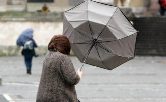 Meteoroloji o iller için  kuvvetli yağış ve fırtına uyarısında bulundu! Yarın havalar nasıl olacak?
