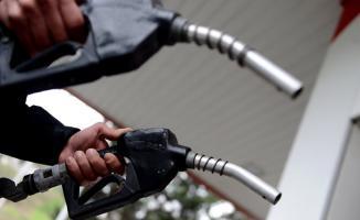 Motorin ve benzin fiyatlarına yine zam yapıldı! Benzin ve motorin ne kadar oldu?