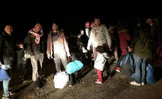 Türkiye'de bulunan göçmenlerin Avrupa'ya gitmek için sınırlara ilerlemesi Yunanistan'ı harekete geçirdi!