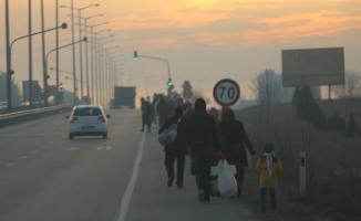 Türkiye'nin Suriyelilere Avrupa kapılarını açma kararı sonrası Suriyeliler harekete geçti!