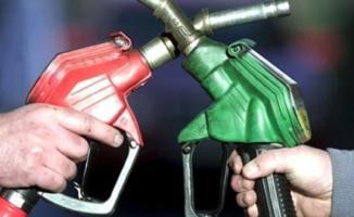 Akaryakıt fiyatlarına büyük indirim beklentisi! Benzin ve motorin fiyatları 4 TL'ye kadar düşebilir!