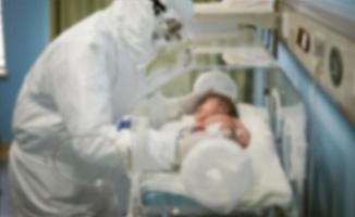 Corona virüsü salgını yüzünden 3 yaşında ki bir çocuk hayatını kaybetti!