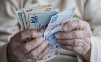 Emekli maaşı alanlar için emekli ikramiyelerinde Bakan Selçuk müjdeyi verdi!