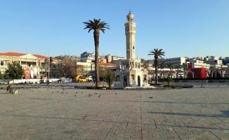 İzmir'de corona virüsü salgını nedeniyle İzmirliler uyarılara kulak astı ve sokaklar boş kaldı