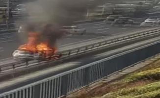 Maltepe mevkii Edirne istikametinde otomobil yandı! Trafik durma noktasına geldi
