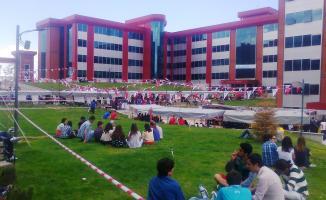 Mehmet Akif Ersoy Üniversitesi 07-10 Mart'ta İŞKUR ile temizlik personeli ve garson alımı yapacak!
