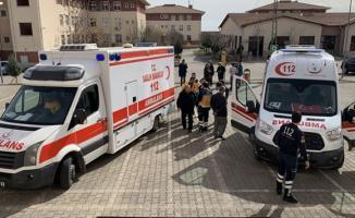 Mimar Sinan Mesleki ve Teknik Anadolu Lisesi'nde 39 öğrenci zehirlenerek hastaneye kaldırıldı!