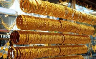 ONS fiyatı 1700 dolara ulaşan altın bugün 1465 dolara kadar geriledi!