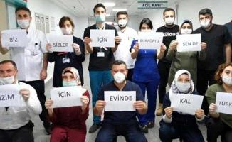 Tüm Türkiye akşam saat 9'da balkona çıkıp sağlık çalışanlarını alkışladı