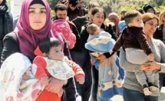 Yunan adalarındaki reşit olmayan mülteciler Almanya'ya götürülecek!