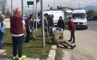Askeri ambulans otomobil çarpıştı! 5 yaralı var