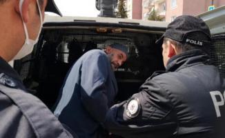 Hem sokağa çıkma yasağını ihlal etti hem de polise direndi!