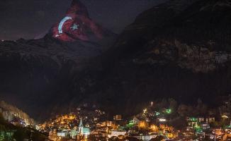 İsviçre Alplerinde Türk Bayrağı Dalgalandı