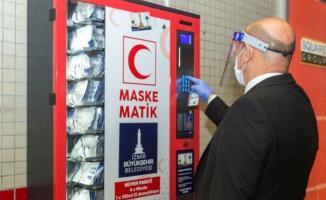 İzmir Büyükşehir Belediyesi maskematik ile günde 60 bin maske dağıtımına başladı!