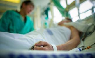 Özel hastaneler virüs tedavisi gören hastalardan muayene katılım ücreti ve ilave ücret isteyemeyecek!