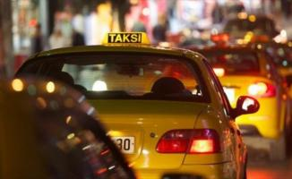 Vali duyurdu! Sağlık çalışanlarına sokağa çıkma yasağında ücretsiz taksi hizmeti verilecek!