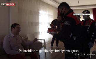 Yunus timinde görevli polis ekipleri engelli gence pastalı sürpriz yaptı!