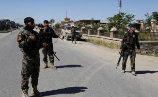 Afganistan'da bir camiye silahlı saldırı düzenlendi! 8 ölü 5 yaralı