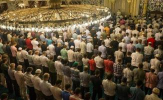 Cuma namazı ve vakit namazları 12 Haziran'dan itibaren kılınabilecek!
