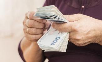 Emeklilere 405 lira ek ödeme yapılacak mı? Emekli maaşı alan milyonlarca kişiyi sevindirecek karar bekleniyor!