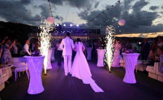 Evlenecek çiftler dikkat! Düğün salonlarının açılış tarihi belli oldu!