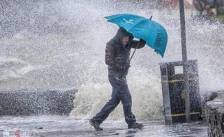 Meteoroloji akşam saatlerinde duyurdu! Çok kuvvetli yağış geliyor! Önleminizi alın!