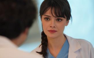 Mucize Doktor dizinde Doktor Nazlı'yı canlandıran Sinem Ünsal nasıl şöhret olduğunu anlattı!