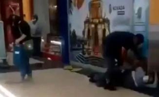 İzmir'de bir AVM'de koca dehşeti! Eşi dahil 3 kişiyi bıçakladı!