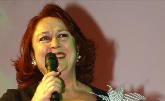 Usta oyuncu Ayşegül Atik hayatını kaybetti