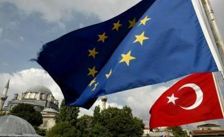 Yunanistan'dan geçişleri durdurma sözüne AB'den Türkiye'ye yardım!
