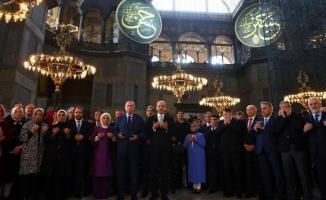 Cumhurbaşkanı Erdoğan istese Ayasofya'yı ibadete açabilir mi? Danıştay ve muhalefet bu konuda ne diyor?