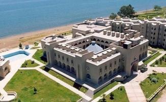 Mehmet Akif Ersoy Üniversitesi 13 farklı meslek gurubundan toplam 31 personel alımı yapacak!