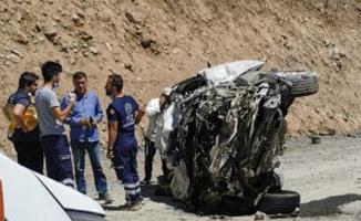 Acı kaza haberini Hakkari Valisi duyurdu! 6 vatandaşımız hayatını kaybetti!