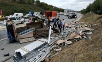 TEM Otoyolu Sultanbeyli mevkiinde trafik kazası!