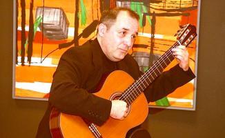 Hacettepe Üniversitesinde Öğretim Görevlisi ve ünlü gitar sanatçısı Soner Egesel intihar etti!