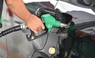 Milyonlarca araç sahibine kötü haber! Benzin fiyatlarına zam geldi!