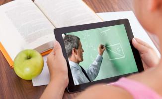 Okullar açılmadan önce 8. ve 12. sınıf öğrencilere Büyükşehir Belediyesinden ücretsiz tablet  dağıtılacak!