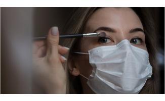 Maske takarken nasıl makyaj yapılır? Makyajlı olarak maske takmanın zararları nelerdir?
