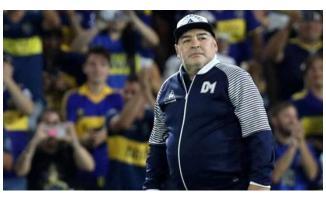 Spor dünyası yasta! Efsane futbolcu Diego Armando Maradona hayatını kaybetti!