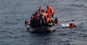 Çanakkale'de Yasadışı Yollardan Yunanistan'a Geçmeye Çalışan 51 Kişi Yakalandı