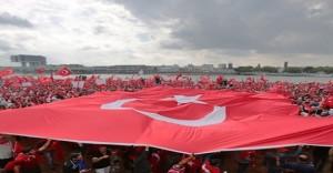 """""""Demokrasi ve Şehitler Mitingi""""nde 15 Bin Polis Görev Yapacak"""