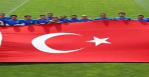 Kayserispor FETÖ'nün Darbe Girişimini Protesto Etti