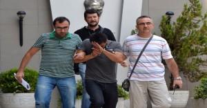 """Kendinisini """"İstanbul Vali Yardımcısı Diye""""  Tanıtan Dolandırıcı Yakalandı"""