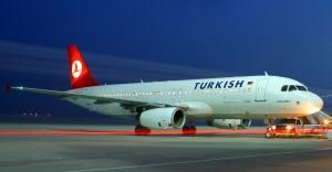 THY Uçağı Kaza Yaptı, Seferler İptal Edildi