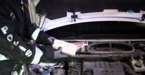 Yalova'da Otomobilin Benzin Deposundan ve Farından Eroin Çıktı