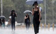 Ankara#39;da Şiddetli Yağış Başladı ! Araçlarda Mahsur Kalanlar Var...