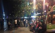 Çanakkale#039;de meydana gelen deprem nedeniyle vatandaş geceyi sokakta geçirdi