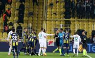 Fenerbahçe- Konyaspor Maçı Kaç Kaç Bitti? Fenerbahçe- Konyaspor Maç Özeti Tıkla İzle- Martin Skrtel#039;in Faul Pozisyonu