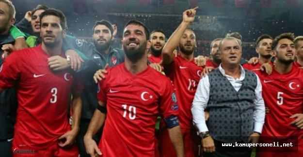 Türk Milli Takımı Fransa'da Ki Oteline Yerleşti