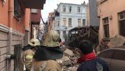 Son Dakika... Fatih Balat'ta 4 Katlı Bina Çöktü